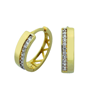 Boucles d'oreilles Huggies avec cubics en or 10k jaune. Aussi disponible en or blanc 10k.